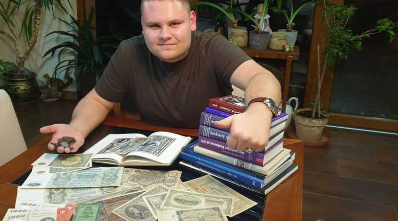 Urzędnik z pasją historyczną i numizmatyczną